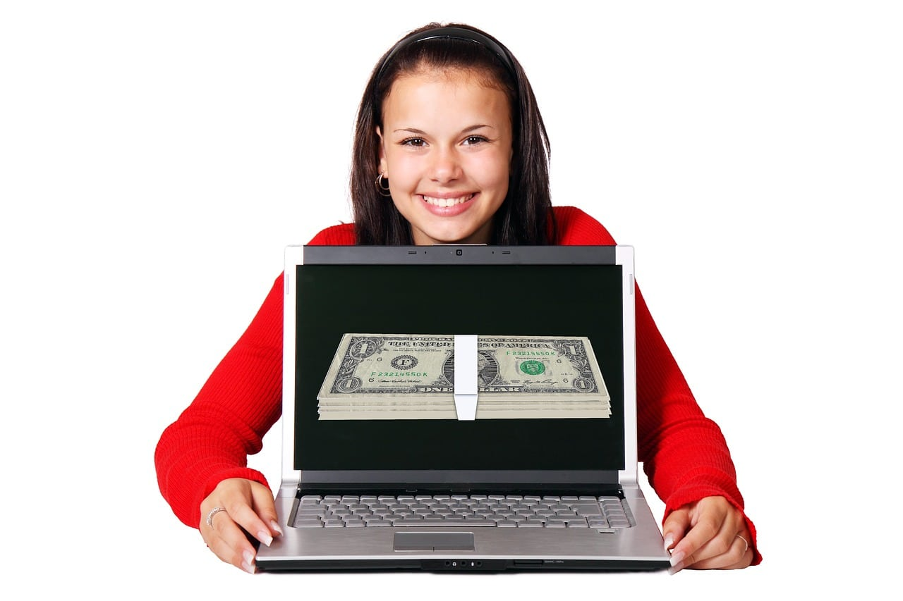 How to Make Money Online by Selling Photos of Yourself